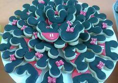 Mickey e Minie. Feito por Biscoitos Finos www.facebook.com/jbeaumordcakes