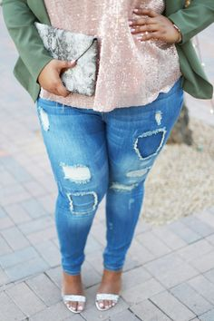 Denim Outfit + Plus Size Denim + Outfit Ideas + Distressed Jeans + Skinny Jeans