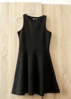 Kup mój przedmiot na #vintedpl http://www.vinted.pl/damska-odziez/krotkie-sukienki/15630508-czarna-sukienka-rozkloszowana-sinsay-roz-36-s