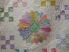 Dresden and machine quilting - perhaps a bit challenging for me but pretty all the same...