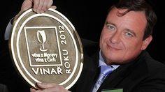 Víno za sedm miliónů korun může pocházet jen ze sklípku toho nejlepšího vinaře.
