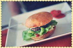 recipe: burger buns// burgerboller | Emily Salomon