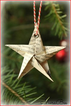 Und er macht doch echt was her, … Sponsored Sponsored This cute star is not hard to fold. As a gift tag or tree trailer, or… Continue Reading → Handmade Christmas Decorations, Christmas Tree Themes, Christmas Time, Christmas Crafts, Xmas, Holiday Decor, Homemade Decorations, Paper Ornaments, Paper Stars