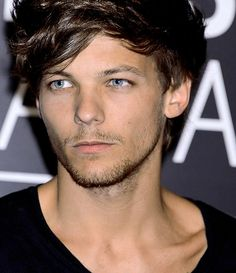 His hair his eyes his scruff his cheek bones Him :) Louis One Direction Pictures, I Love One Direction, Zayn Malik, Niall Horan, Dudes Be Like, Louis Y Harry, Bon Point, Believe, Le Clown