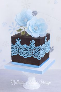 Iced blue wafer paper beauty - Cake by Bellaria Cakes Design (Riany Clement)