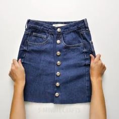 Diy Clothes Design, Diy Clothes And Shoes, Sewing Kids Clothes, Diy Old Jeans, How To Make Skirt, Clothing Hacks, Creations, Diy Shorts, Denim Skirts