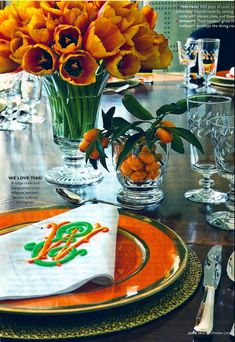 Vibrant orange and Fall! adore the monogrammed napkins Table Arrangements, Floral Arrangements, Flower Arrangement, Table Orange, Orange Plates, Dresser La Table, Monogrammed Napkins, Beautiful Table Settings, Deco Table