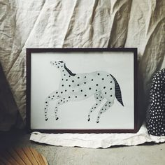 dotted horse 30X40 – schulverket Illustrators, Fine Art Prints, How To Draw Hands, Illustration Art, Dots, Hand Painted, Horses, Paper, Animal