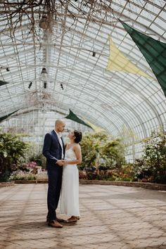 Top NYC wedding photographers capturing the best wedding photos in New York. Two Brooklyn wedding photographers catching comfortable candids. Garden Wedding Inspiration, Engagement Photo Inspiration, Wedding Ideas, Wedding Photos, Wedding Planning, Engagement Photos, Boho Wedding, Wedding Styles, Engagement Rings