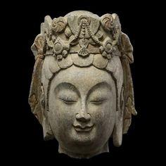 Limestone head of a Bodhisattva. Northern Qi Dynasty (550-577) - Limestone
