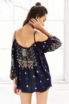 Ecote Pom Pom Trim Cold Shoulder Blouse - Urban Outfitters