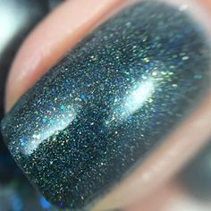 #macro of Falling Apart To Halftime from the Fall Out Foxes collection by @frenzypolish. The holo and glitter in this is AMAZING!!  #frenzyfans #frenzyfoxes #frenzypolish