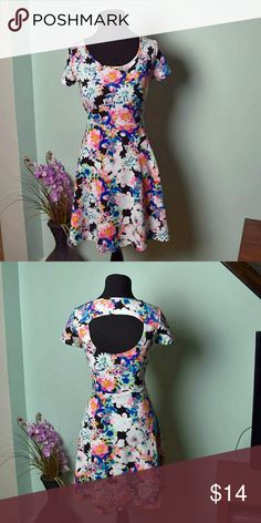 Gorgeous Neon Print Floral Dress Super Cute and Flowy! In excellent condition. Dresses Mini