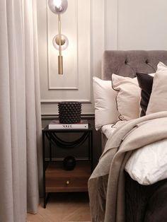 Mina nya sängbord Clean Bedroom, Home Bedroom, Bedroom Decor, Bedroom Inspo, Bedroom Colors, Interior Design Inspiration, Home Interior Design, Lets Stay Home, Beautiful Home Designs