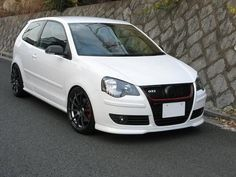 VW Polo GTI #volkswagenpologti Vw Polo Modified, Ford Fiesta St, Polo Classic, Volkswagen Polo, Sport Seats, Cars And Motorcycles, Van, Car Decals, Golf