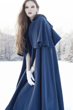 The cloak is so beautiful. Look Fashion, Winter Fashion, Mori Girl, Costume Design, Simply Beautiful, Wedding Styles, Dress Up, Gowns, Style Inspiration