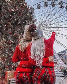 In the romantic Christmas day, he stands with you, so you're the brightest stars. Hugging tightly him, you want to keep this romantic moment forever. Cosy Christmas, Christmas Feeling, Christmas Couple, Christmas Time, Xmas, Christmas Ideas, Christmas Girls, Christmas Travel, Christmas Outfits