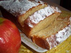 PLUMCAKE WITH YOGURT and APPLES - Il plumcake è il classico dolce da colazione, oggi l'ho preparato con yogurt e mele . Io ho sempre mangiato la merendina quella gradita da grandi e piccini, ma da qualche tempo lo preparo in casa.
