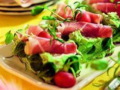 Křehký chléb s avokádovou pomazánkou. Eat Smarter, Bruschetta, Tuna, Cobb Salad, Ale, Tacos, Mexican, Fish, Meat
