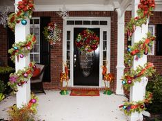 Magical Christmas Front Porch Decorations You Need To See Christmas Front Doors, Christmas Porch, Magical Christmas, Outdoor Christmas Decorations, Beautiful Christmas, Christmas Tree Ornaments, Christmas Lights, Christmas Wreaths, Christmas Displays