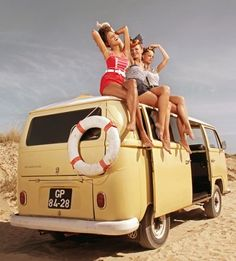 VW Bus # classic pin-up girls # sexy # ♠. X Bros Apparel Vintage Motor T-shirts, Volkswagen Beetle & Bus T-shirts, Great price… ♠ Location Ski, Location Camping Car, Vw Camping, Camping Tips, Glamping, Volkswagen Transporter, Vw Bus, Volkswagen Minibus, Volkswagen Vintage