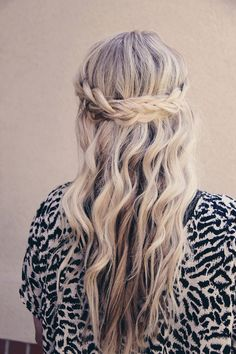half up braid hairstyle (via @beautyhigh)