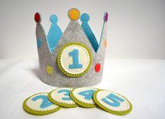 Kronen - Geburtstagskrone mit 5 austauschbaren Zahlen - ein Designerstück von masumi-berlin bei DaWanda