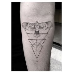 This geometric bird tattoo is seriously inspirational.