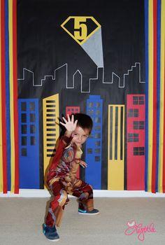 he{ART} Lyttle: Superhero party DIY photo backdrop