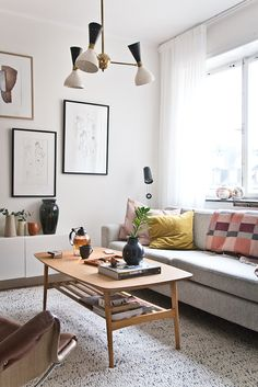 A Pearl of a Home in Stockholm! (my scandinavian home) Boho Living Room, Home And Living, Living Room Decor, Living Spaces, Home Decoracion, White Home Decor, Beautiful Living Rooms, Scandinavian Home, Interior Design Inspiration