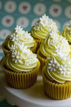 Lemon Spring Cupcakes with flower toppers
