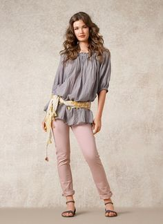 Love this do-it-yourself sash sitting low on the hips with a scarf. Cute.