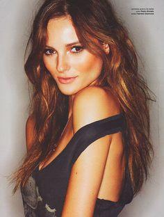Fabiana Semprebom | Joy Model Management » HEIGHT 5'10, HAIR Blond, EYES Brown, CHEST33, WAIST 24, HIPS 35, SHOES 6