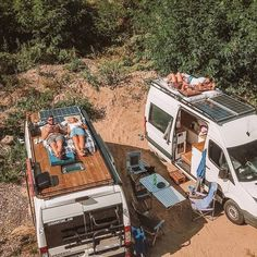 Converted Vans, Camper Van Life, Kombi Home, Van Home, Camper Van Conversion Diy, Bus Life, Van Interior, Van Living, Camper Renovation