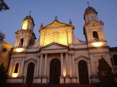 Frente de la Catedral de San Juan Bautista. Salto, Uruguay.