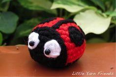 Lil' Ladybug - Free Amigurumi Pattern here: http://littleyarnfriends.com/post/97215506496/crochet-along-pattern-lil-ladybug