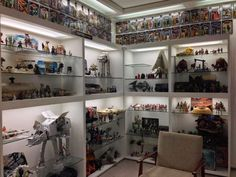 You need an idea about the room with the best star wars design? Below you will find some ideas about rooms with best star wars design ideas. Lego Display, Display Shelves, Lego Shelves, Display Cases, Star Wars Room Decor, Diorama, Geek Room, Star Wars Collection, Collection Displays