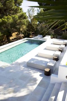 Like every thing round us, the idea of the swimming pool design too is present process main adjustments. From being an oblong pool of water it has Small Backyard Pools, Small Pools, Swimming Pools Backyard, Swimming Pool Designs, Pool Landscaping, Backyard Ideas, Indoor Swimming, Piscina Spa, Pool Shapes