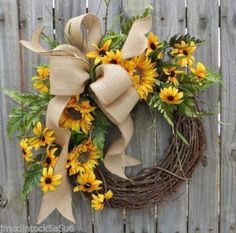 Spring / Summer Wreath Wreath for Spring / Summer by HornsHandmade summer weddin… summer wedding trend – Outdoor Wedding Decorations 2019 Wreath Crafts, Diy Wreath, Door Wreaths, Wreath Burlap, Wreath Ideas, Tulle Wreath, Ribbon Wreaths, Wreath Making, Burlap Bows