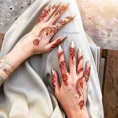 red henna for girlie girl Tribal Henna Designs, Floral Henna Designs, Finger Henna Designs, Arabic Henna Designs, Mehndi Designs For Girls, Unique Mehndi Designs, Henna Designs Easy, Beautiful Henna Designs, Henna Tattoo Designs