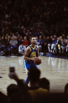 Golden State Basketball, Basketball Is Life, Basketball Legends, Basketball Players, Basketball Stuff, Nba Wallpapers Stephen Curry, Stephen Curry Wallpaper, Stephen Curry Basketball, Nba Stephen Curry