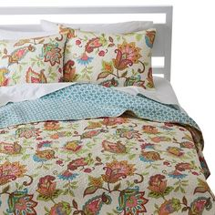 Avery Stitch Floral Quilt Set