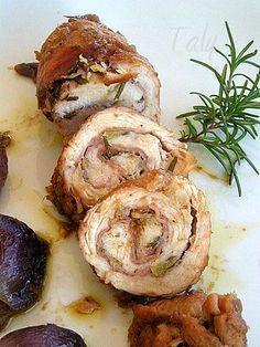 INVOLTINI DI TACCHINO CON CIPOLLE ROSSE DI TROPEA- Piatto semplice a base di fesa di #tacchino, non troppo costoso per la cucina di tutti i giorni, insaporito con erbe mediterranee e #cipolle rosse.