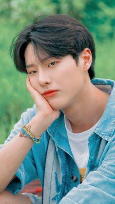 Debut Party, Kwon Hyunbin, K Wallpaper, I Still Love Him, Fandom, Kpop Boy, Boyfriend Material, Handsome Boys, K Idols