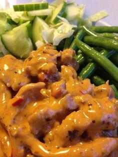 Kyckling Stroganoff Chicken Mushroom Recipes, Chicken Recipes, Swedish Recipes, Love Food, Stuffed Mushrooms, Food And Drink, Pasta, Meat, Dinner