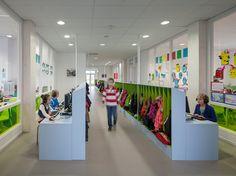 School Complex North Hofland | DeZwarteHond  cool way to zone circulation, workspace, and lockers