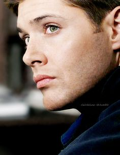 Jensen Ackles as Dean Winchester, perfect in every way! Supernatural Series, Jensen Ackles Supernatural, Winchester Supernatural, Sam And Dean Winchester, Winchester Brothers, Supernatural Fandom, Jensen Ackles Eyes, Prince, Jared And Jensen