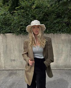 Pretty Outfits, Beautiful Outfits, Cool Outfits, Casual Outfits, Beautiful Clothes, Vintage Bikini, Grown Women, Elsa Hosk, Outfits With Hats