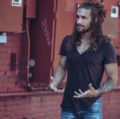 20+ Guys with Long Curly Hair Long curly hair has a reputation for being unruly and difficult to manage. But when managed properly, curly hair can actually help you up your style game and make you …