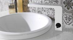 Noken Design offers Pure White bathrooms to create large & bright atmospheres Bathroom design Porcelanosa bathrooms